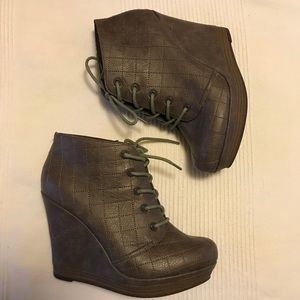 SEYCHELLES Quilted Wedge Platform Ankle Boots, 7.5